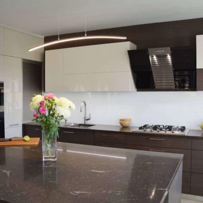 Kuchyňa OPTIMA/COMFORT HANÁK v krásnej kombinácií laku a drevodekoru